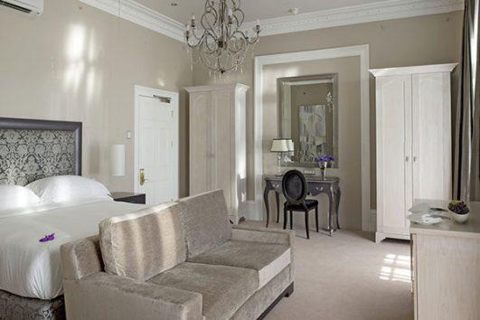 Dock House luxury room