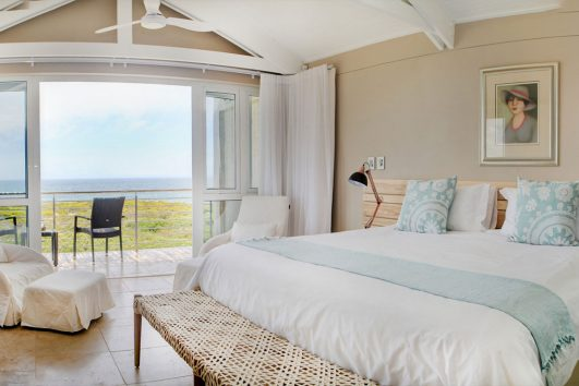 Abalone Guest Lodge - Bedroom
