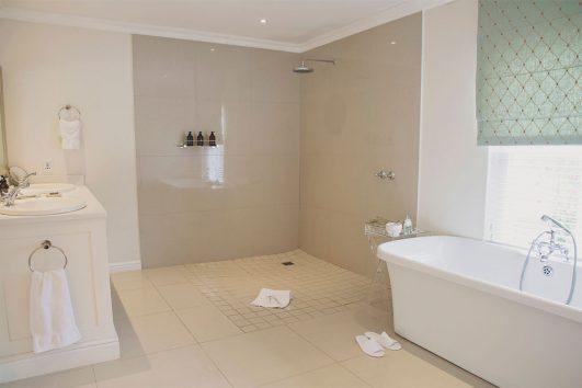 The Last Word-Franschhoek - bathroom