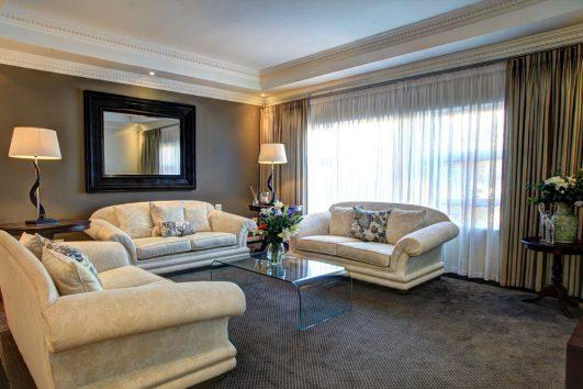 Cinnamon House lounge